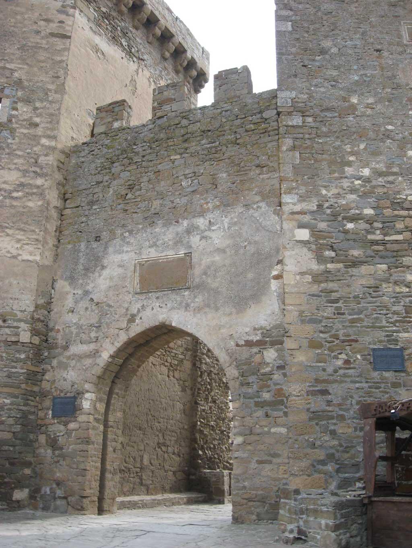 Вход в крепость из барбакана