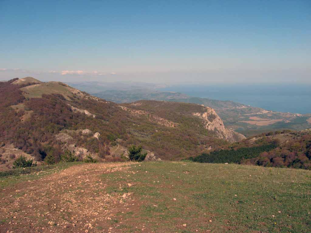 Вид на юго-восточное побережье Крыма с плато Демирджи