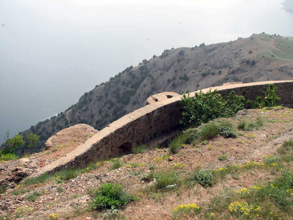 ров вокруг горы Аскети