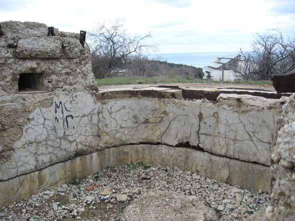 бетонные укрепления батареи №24