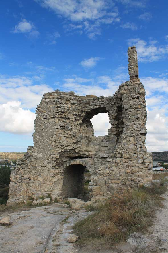 башня крепости Каламита