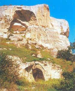 четвертый грот Качи-Кальона с куполообразным сводом
